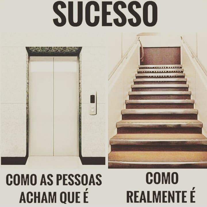 Sucesso: elevador e escada